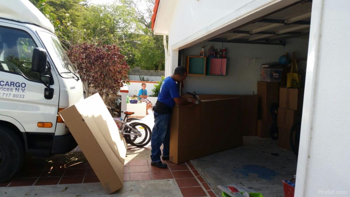 Bonaire sint eustatius en saba kralendijk voorbereidingen reis in volle gang reisblog van - Saint maclou tapijt van gang ...